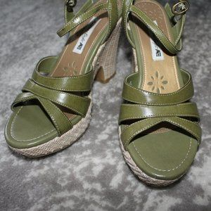 American Eagle Wedged Sandals Shoes Heels Sz 7 1/2